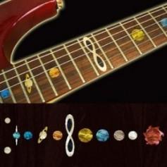 Sticker guitare touche système solaire