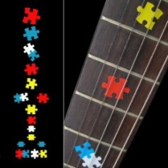 Sticker guitare touche pièces puzzle colorees