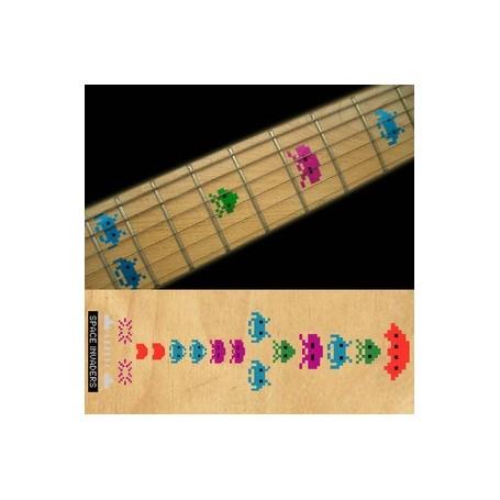 Sticker guitare touche invasion de l'espace colore