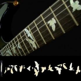 Sticker guitare touche oiseaux en vol blanc abalone