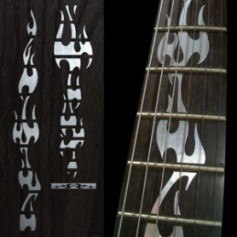 Sticker guitare touche flammes métallique