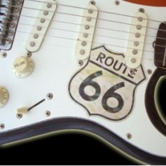 Grand sticker guitare pickguard Stratocaster® route 66