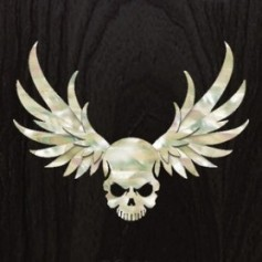 Grand sticker guitare tête de mort & ailes blanc abalone